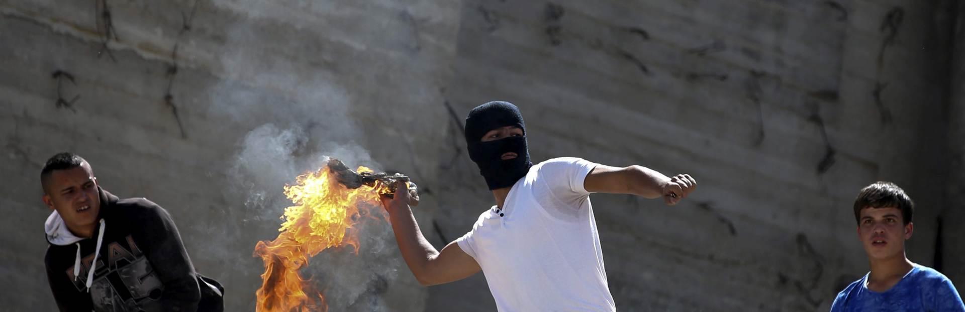VJERSKE NAPETOSTI: U Jerulazlemu novi sukobi policije i muslimana kod Brda hrama
