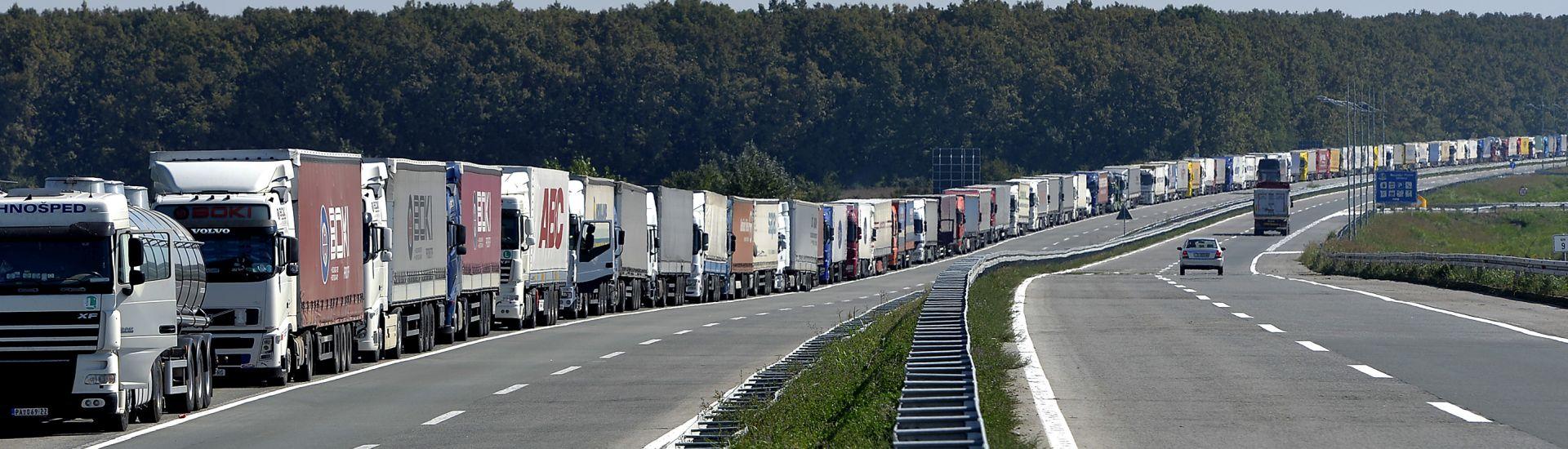 SRPSKI MINISTAR LJAJIĆ: Netko će plaćati penale i kazne za ovo zatvaranje granica