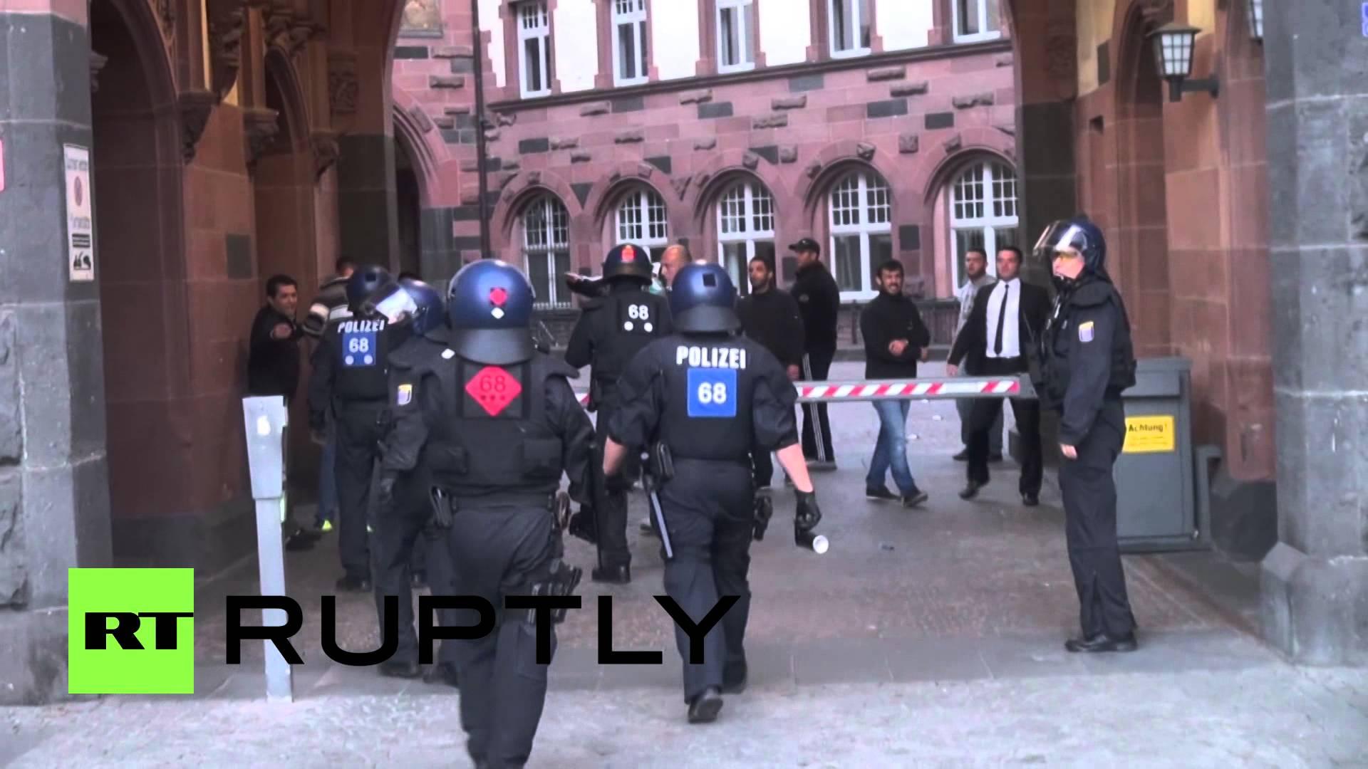 VIDEO: Žestoka tučnjava Turaka i Kurda usred Frankfurta