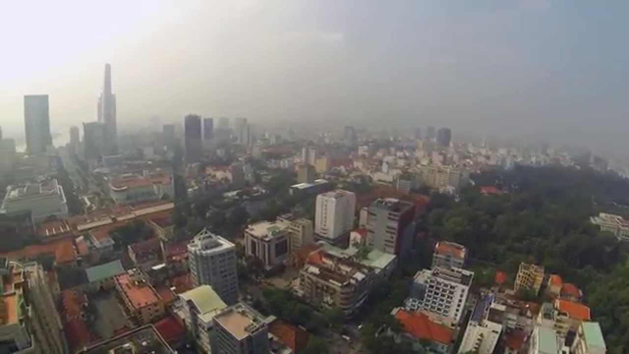 VIDEO: Letimo malo kroz grad Ho Ši Min