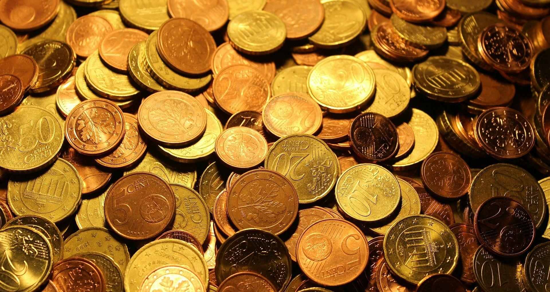 Na svjetskim valutnim tržištima euro oslabio, jen ojačao