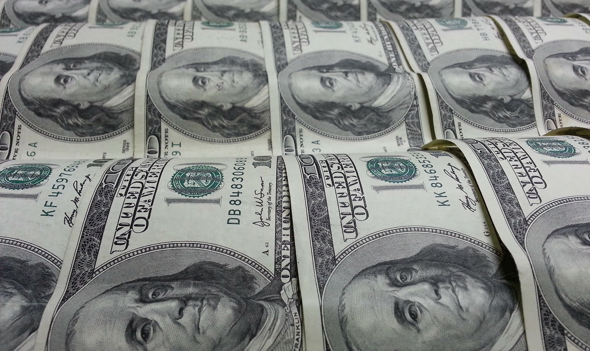 Dolar ojačao, do kraja godine moguće povećanje kamata Feda