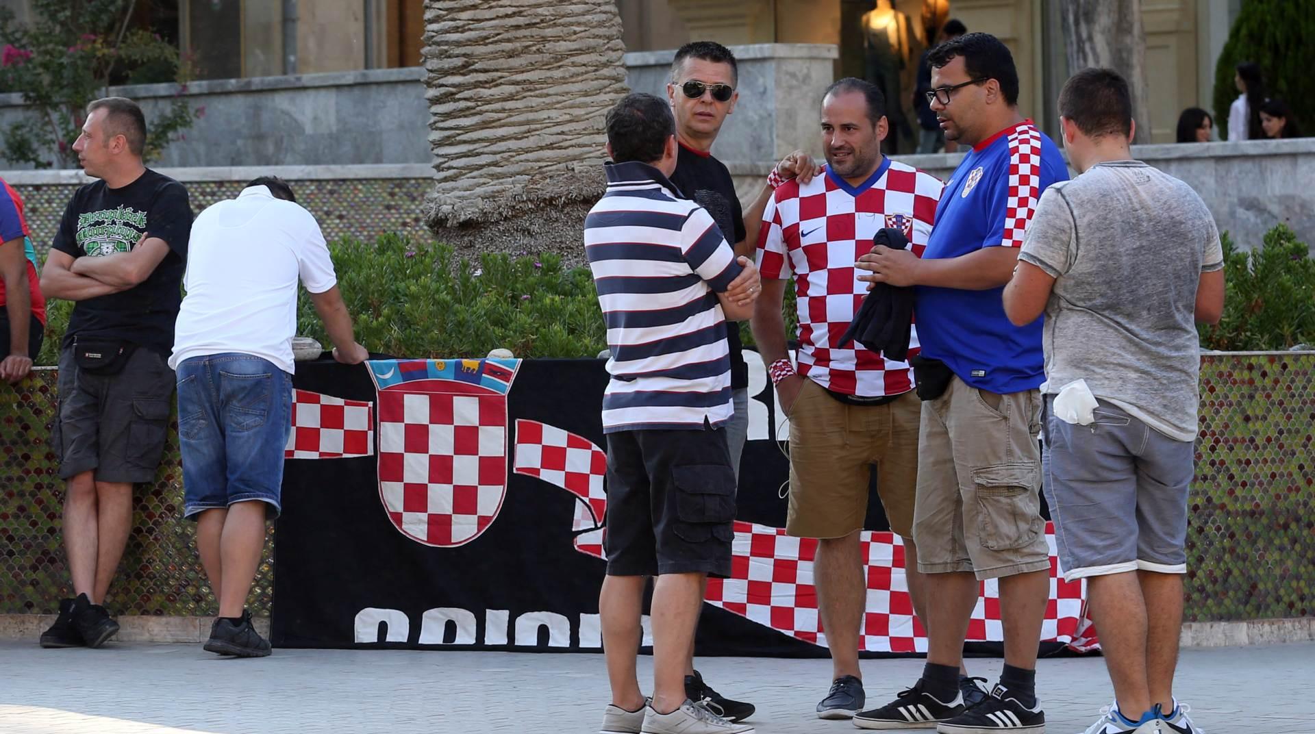 DOŠVERCALI SE: Hrvatski navijači ipak u Bakuu