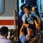 IZBJEGLICE ukrcane u vlak u Tovarniku