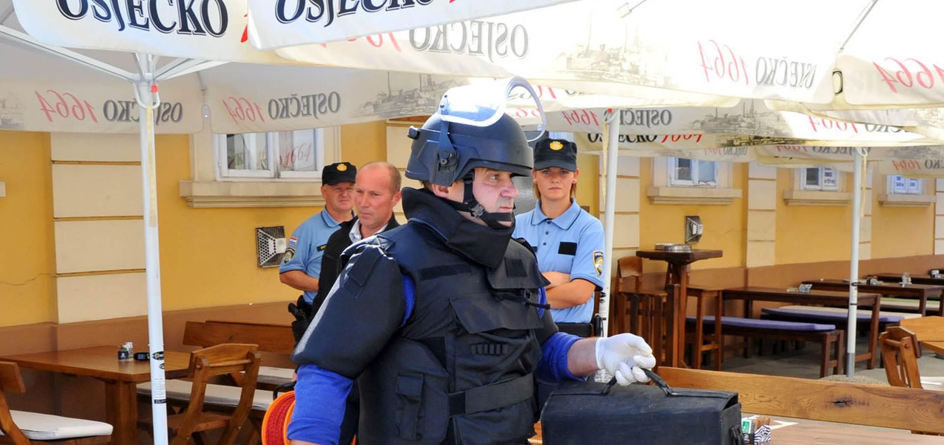 POZVANI VJEŠTACI: U središtu Vinkovaca pronađena torba s eksplozivom