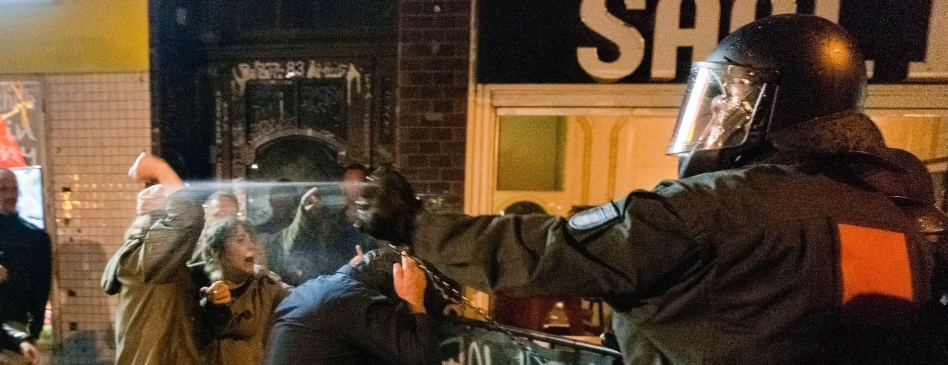 """""""POPLAVA IMIGRANATA"""": Stotine na prosvjedu u Parizu"""
