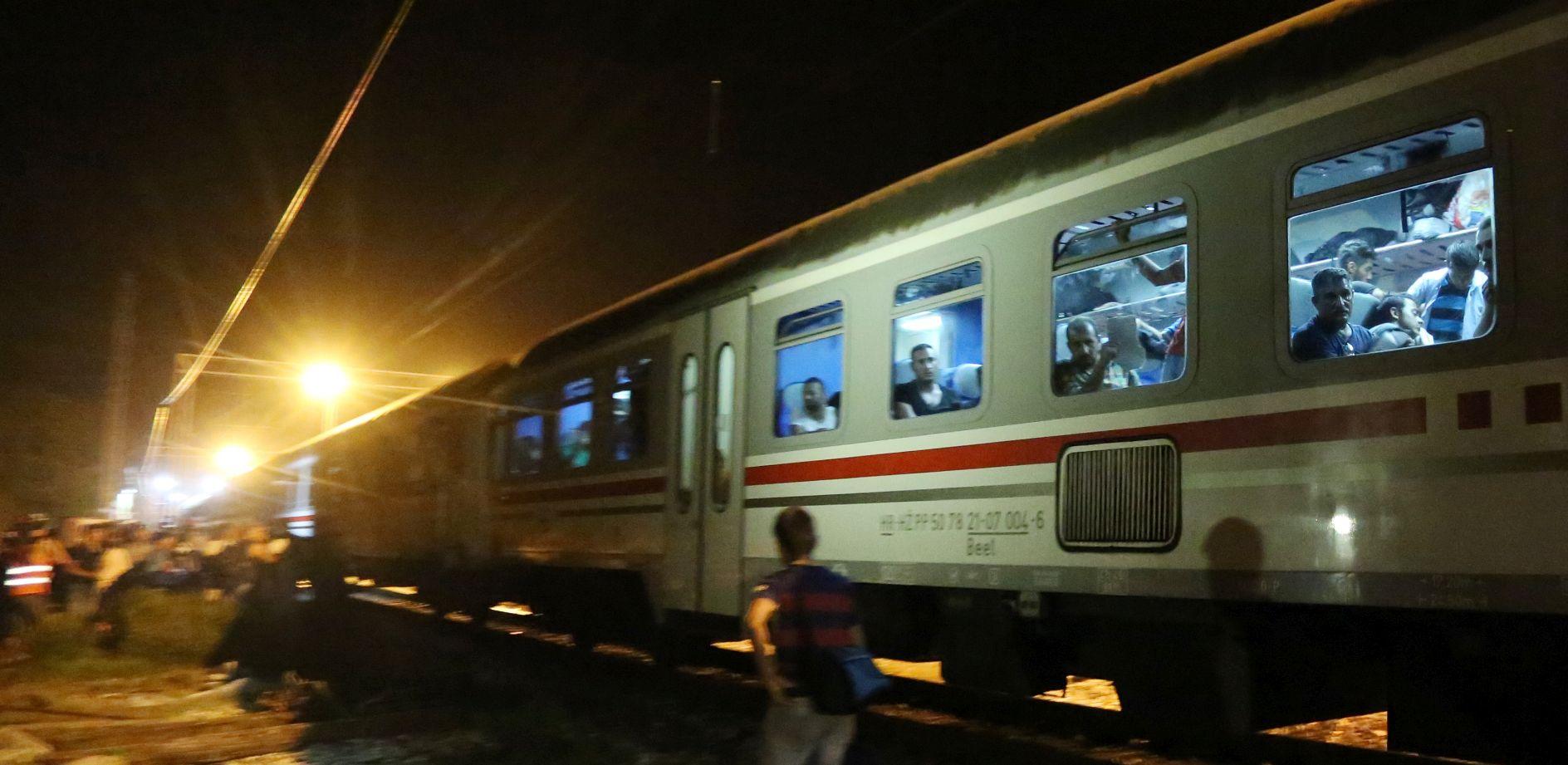 DEŽELA SPUSTILA RAMPU Slovenija zbog migranata otkazala vlakove iz Hrvatske