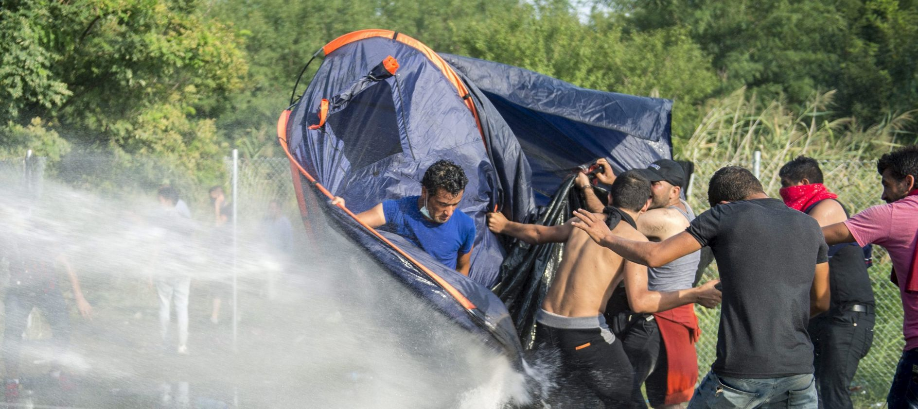 "UN-OV IZASLANIK: ""Prestravljen sam okrutnostima mađarskih vlasti"""