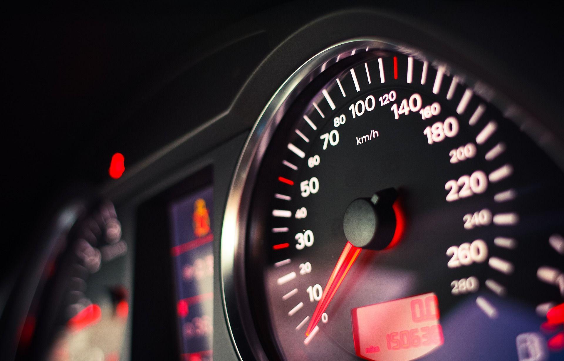 (PRE)BRZI SLOVENAC I IRAC Uhvaćeni na A1 pri brzini od 246 i 245 kilometara na sat