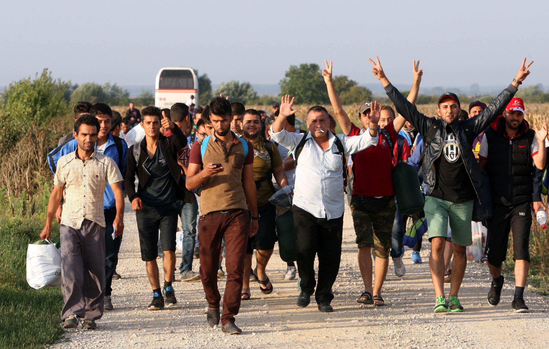 U tri autobusa došli u Ježevo; u Vinkovce stigao vlak za prihvat izbjeglica