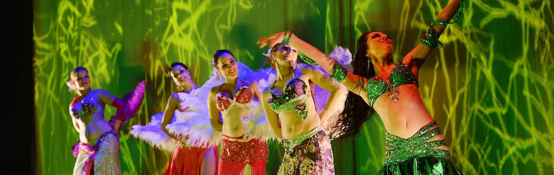 Orijentalni plesni ansambl Apsaradhe i predstava 'Niz vodu, uz goru'