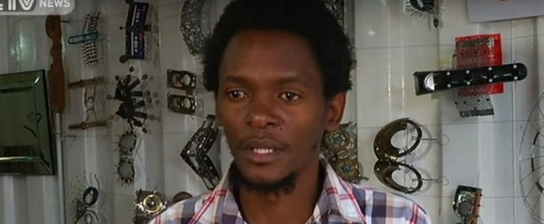 VIDEO: Kenijski umjetnik stvara umjetnička djela pomoću otpada