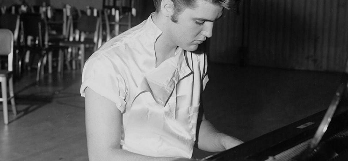 VIDEO: Elvisov zlatni klavir i Beatlesov bubanj na aukciji