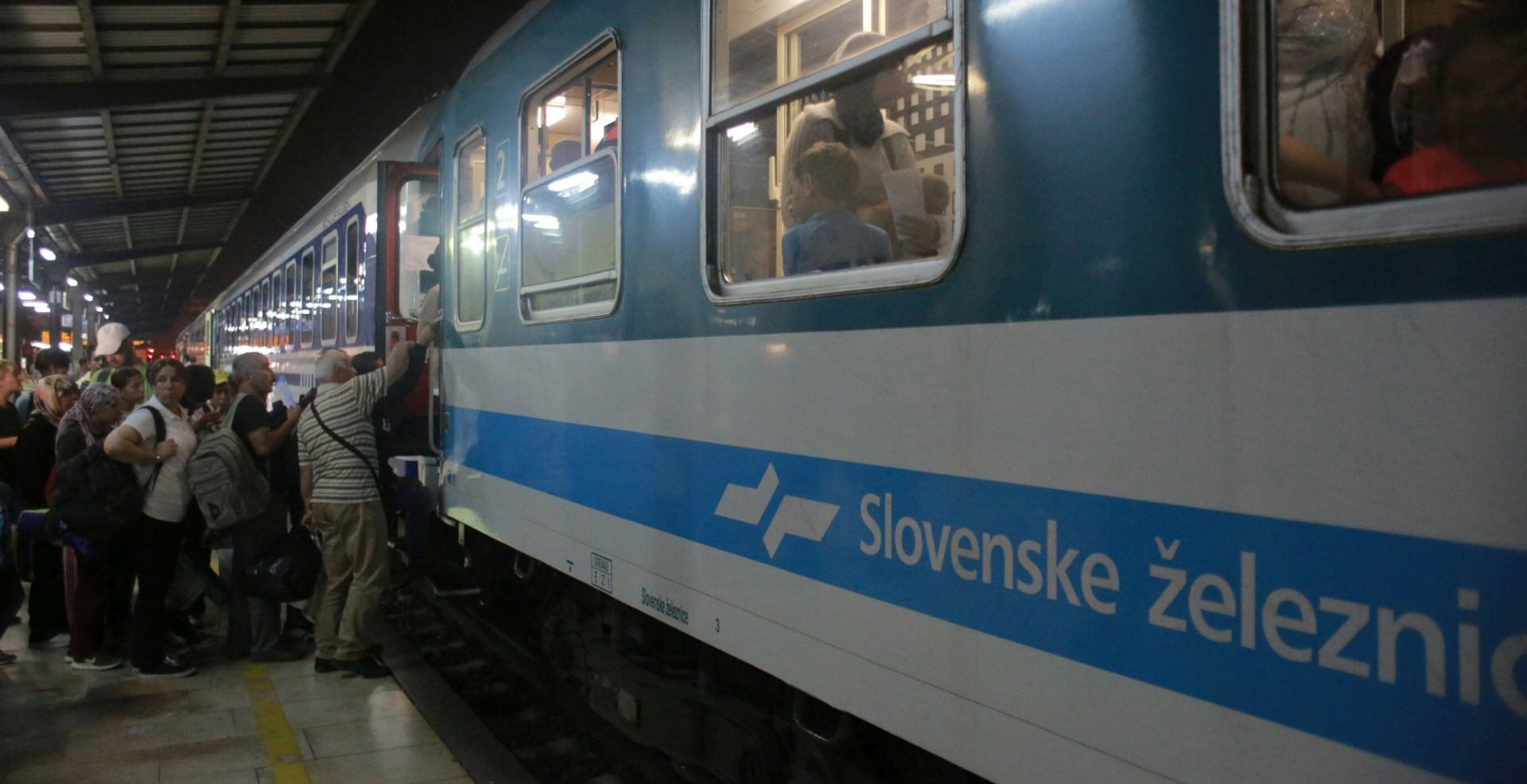 MAĐARSKA ZATVARA GRANICE Vlada objavila da se kreće s 'Planom C', Slovenija obustavila željeznički promet s Hrvatskom