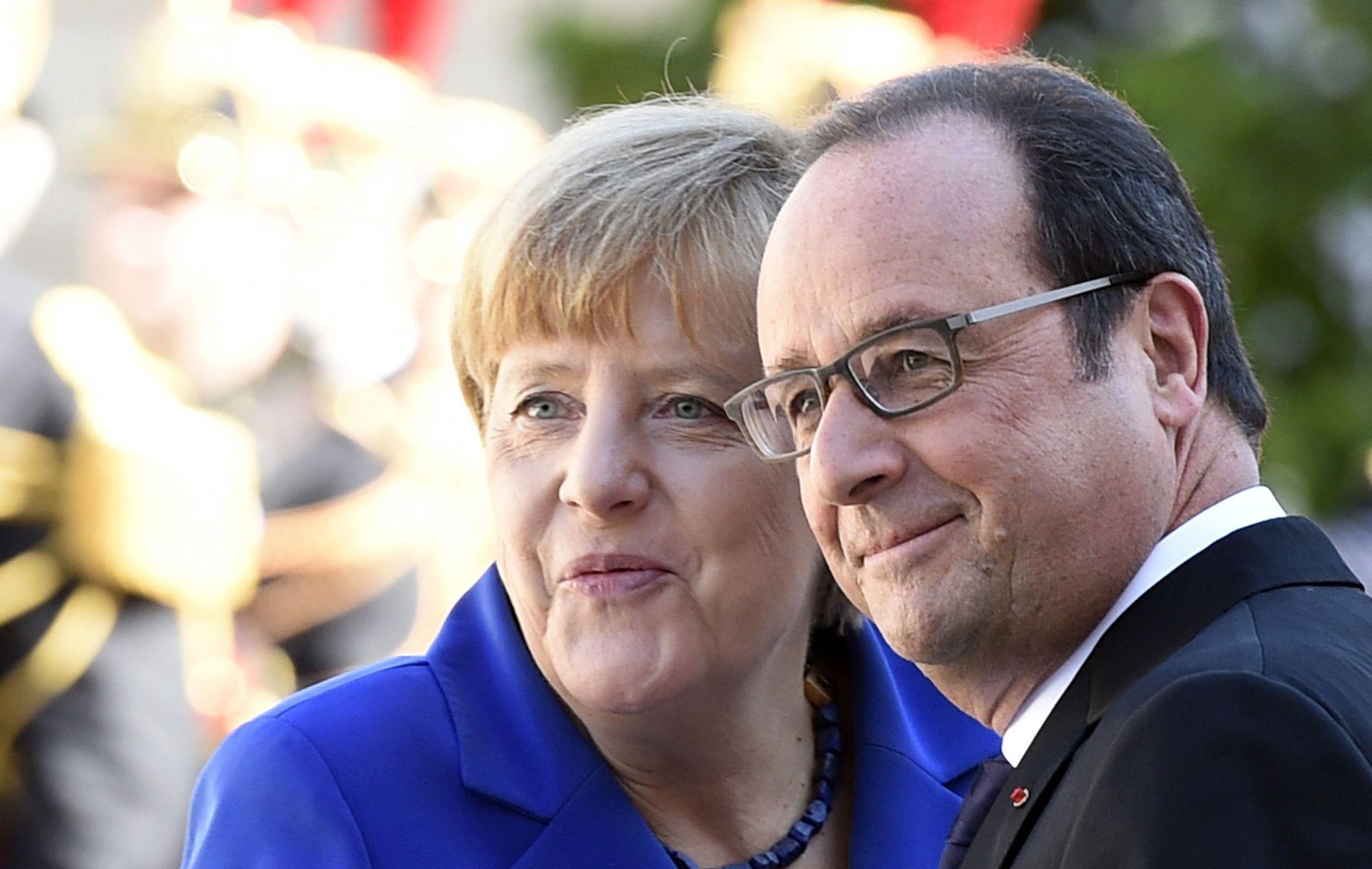 MERKEL I HOLLANDE ZABRINUTI Kraj Europe značio bi povratak na nacionalne granice, kraj zajedničkih politika, napuštanje eura