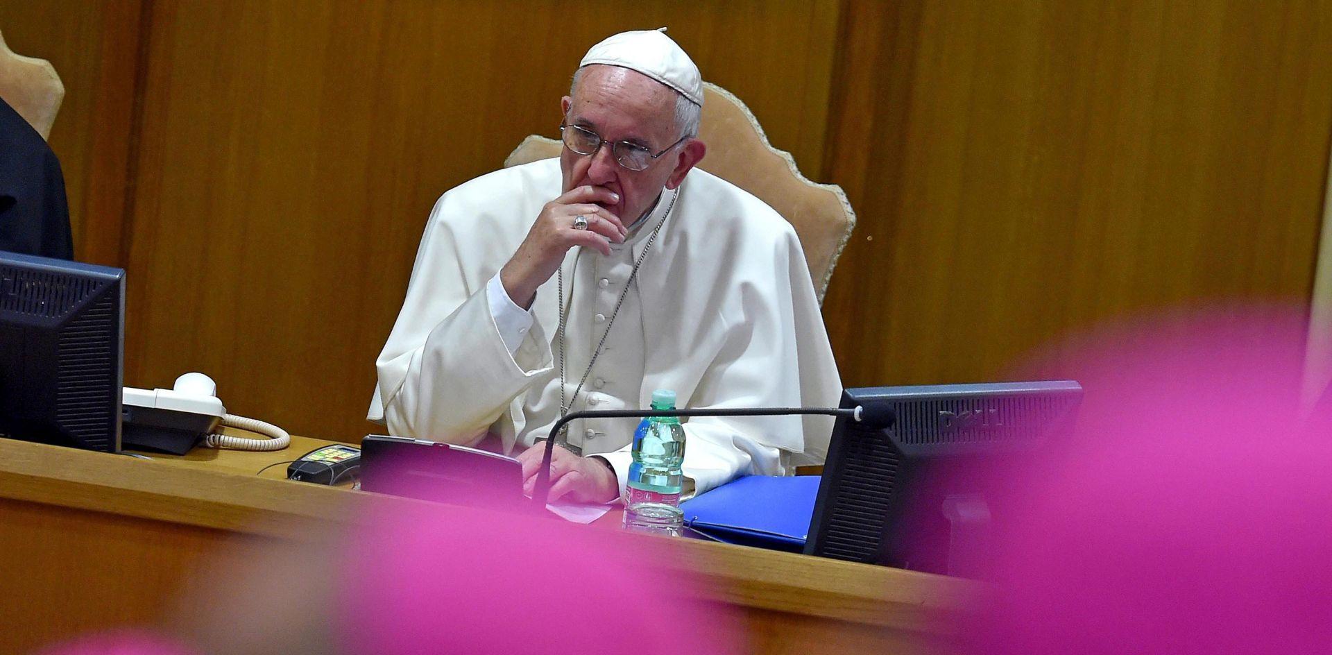 Papa poručio biskupima: Budite hrabri, moramo se otvoriti promjenama