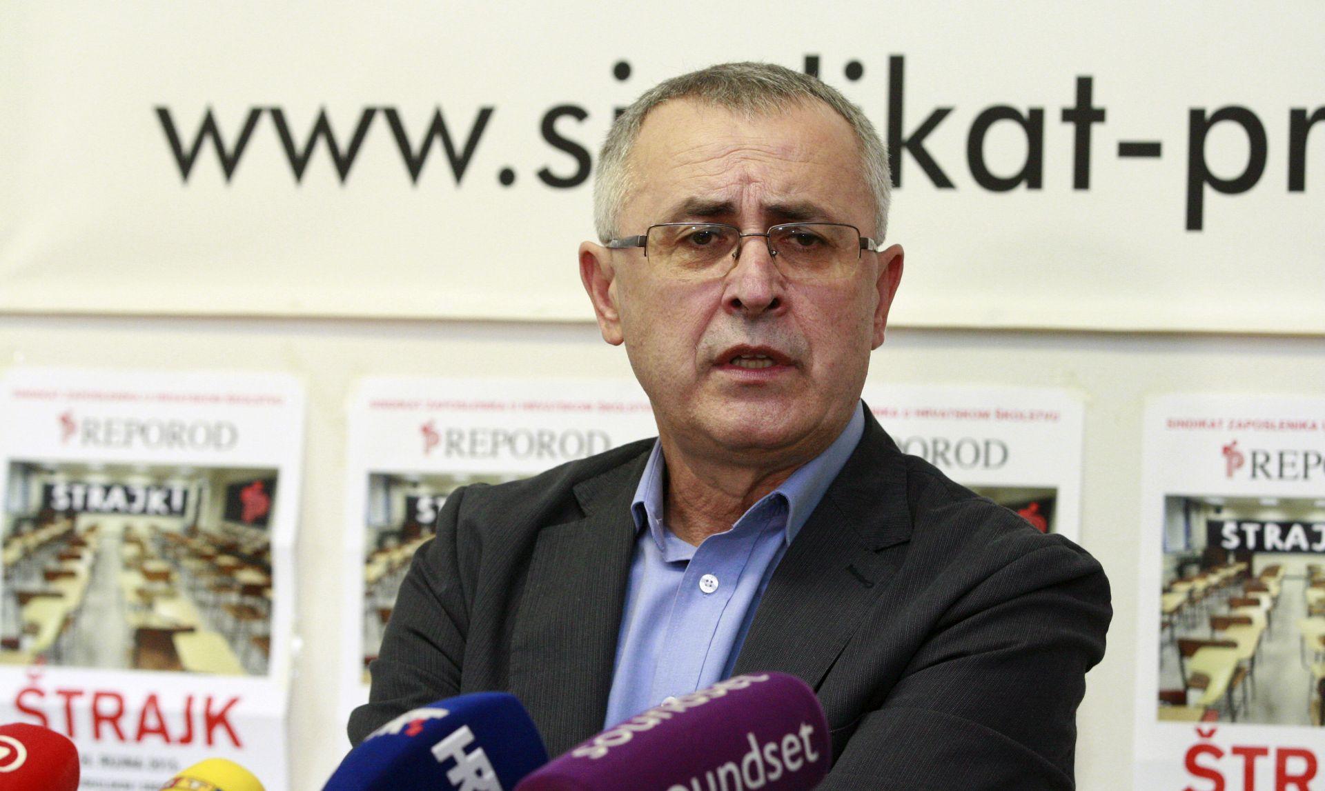ZBOG NEUSPJEHA ŠTRAJKA Predsjednik 'Preporoda' Željko Stipić podnio ostavku