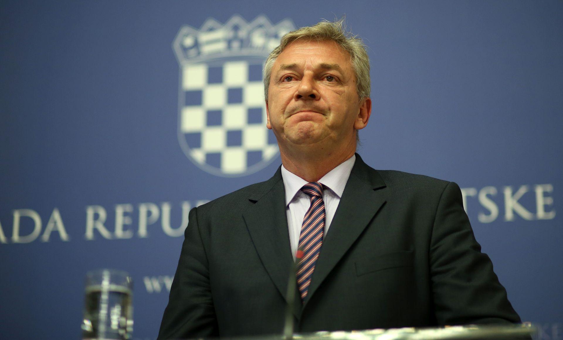 Ostojić: Poštovali smo dogovor sa Slovenijom, ali migrante su dočekali psi i žice