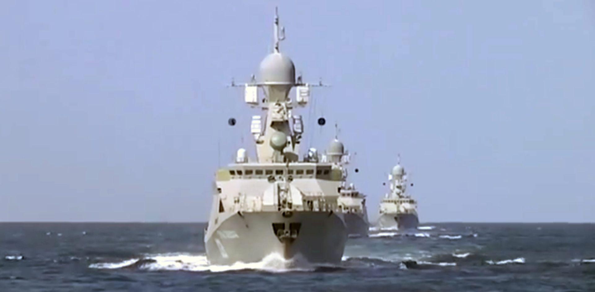 AMERIKANCI TVRDE Najmanje četiri rakete s ruskih brodova pogodile Iran