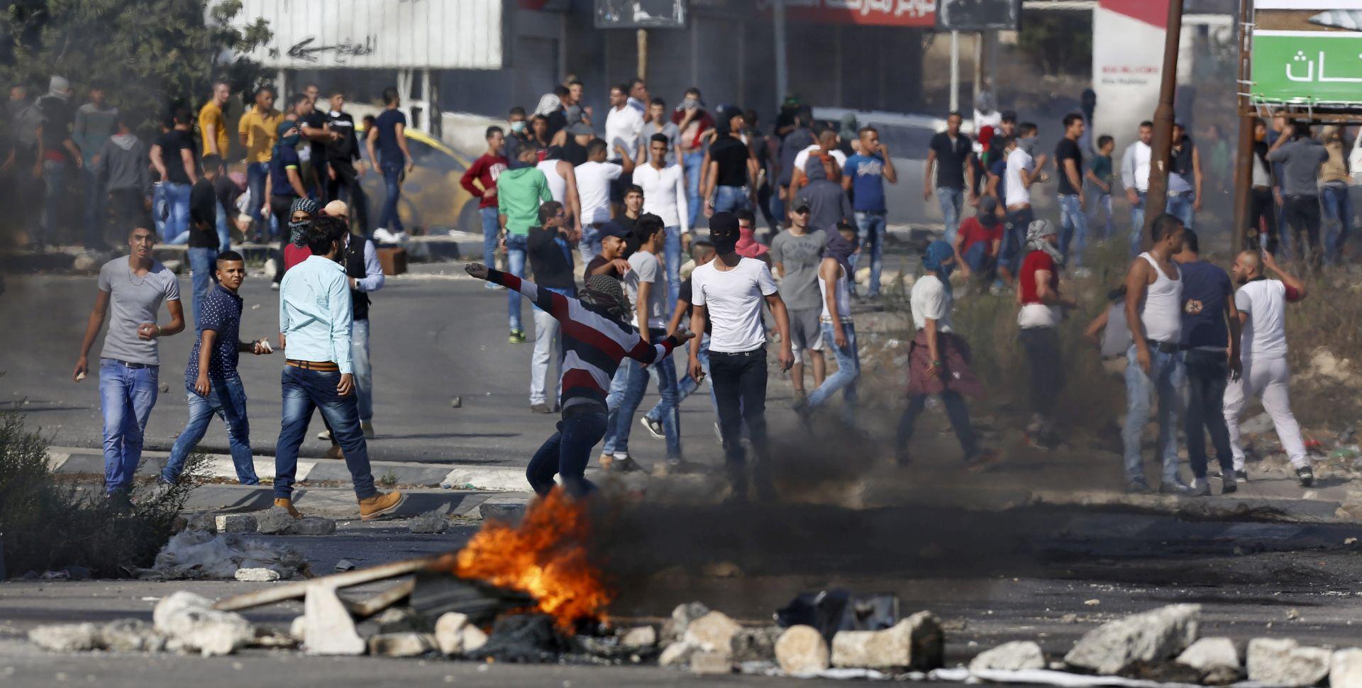 SAMO U PETAK SEDAM UBIJENIH PALESTINACA Vođa Hamasa u Gazi pozvao na ustanak