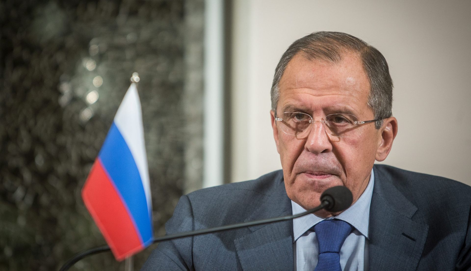 Lavrov: Rusija spremna zračnim udarima podržati Slobodnu sirijsku vojsku