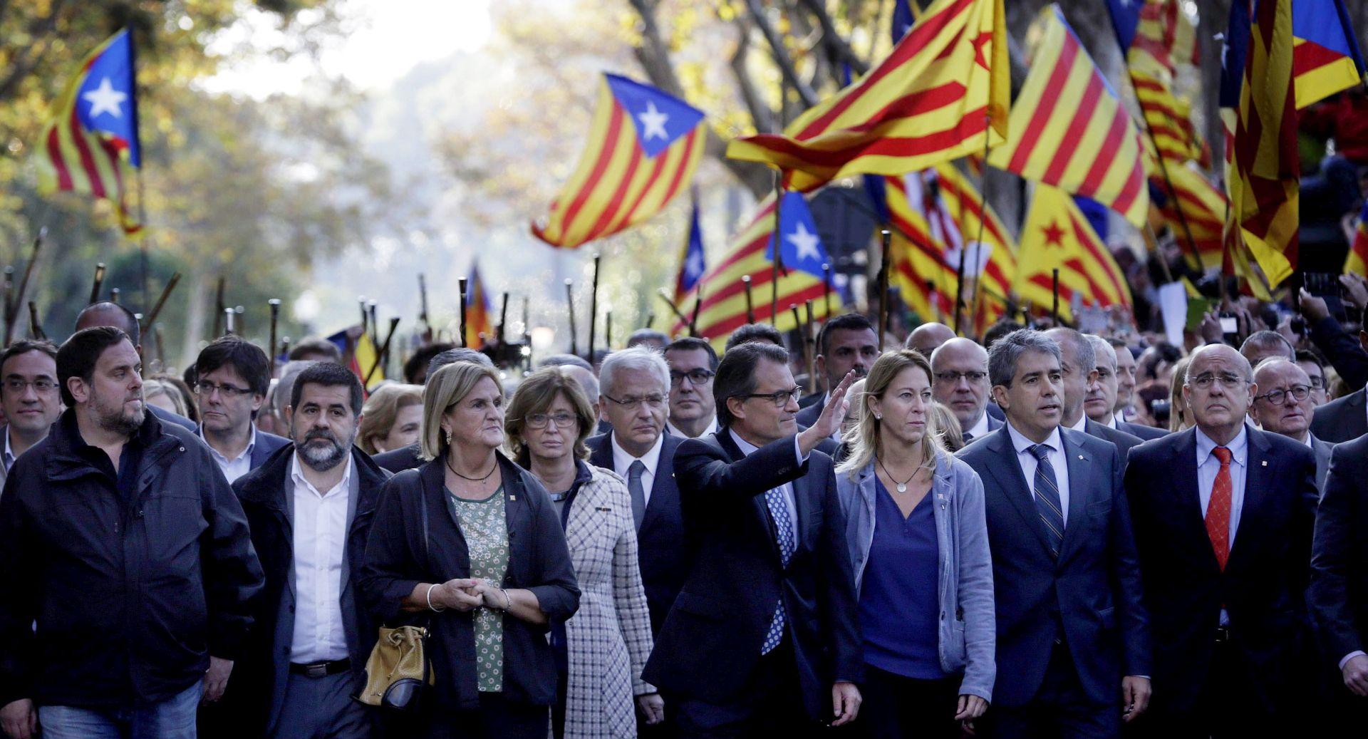 ANKETA Većina Katalonaca odbacuje plan odcijepljenja od Španjolske