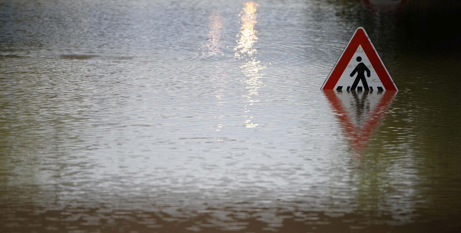 RASPRAVE O ODGOVORNOSTI VLASTI Olujno nevrijeme pogodilo Italiju, četiri žrtve