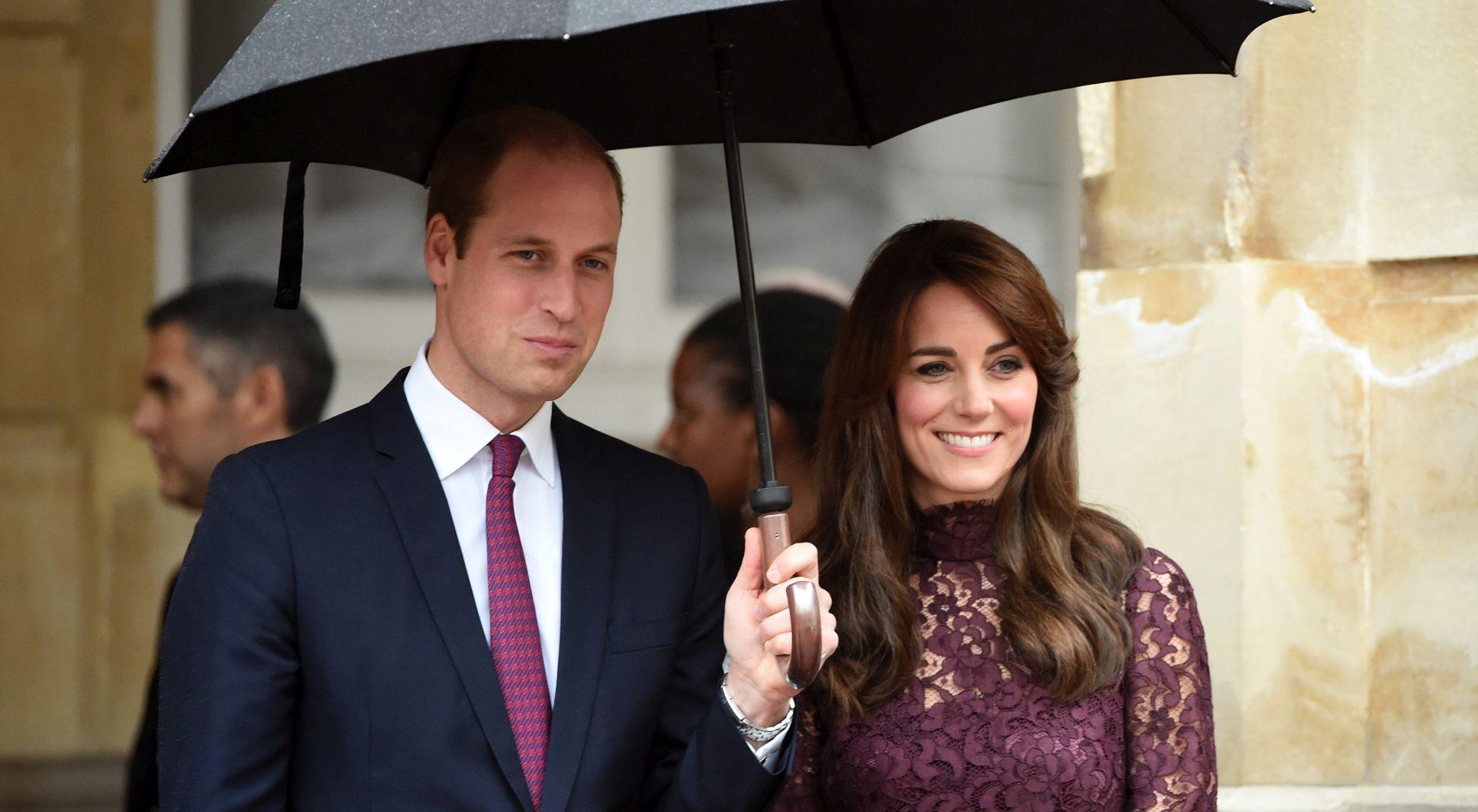 PREMIJERA NOVOG BONDA U LONDONU Pozivnicu za Royal Albert Hall dobila i kraljevska obitelj