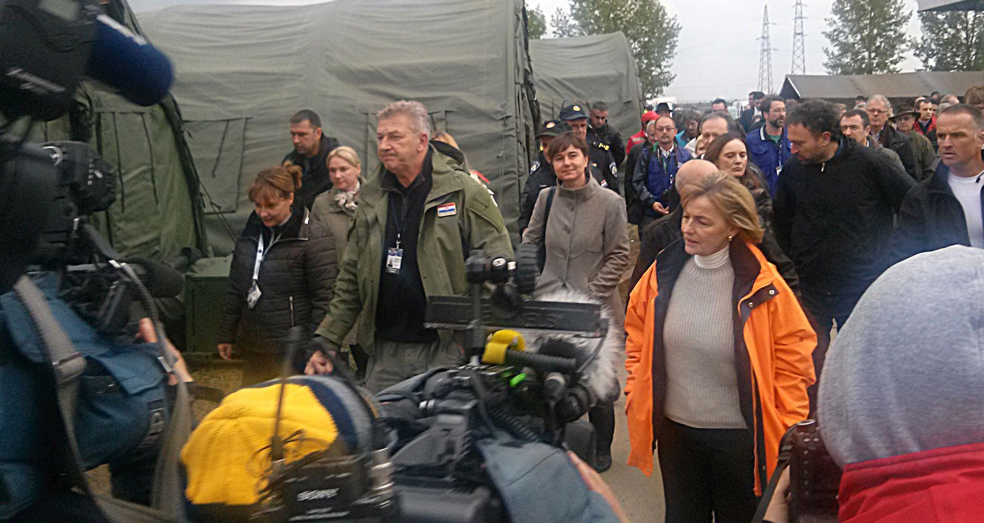 Pusić s diplomatskim zborom u Opatovcu