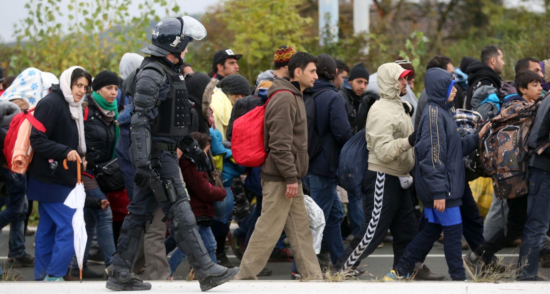 KRITIKE SUSJEDA Cerar: Hrvatska se ponaša neeuropski u migrantskoj krizi
