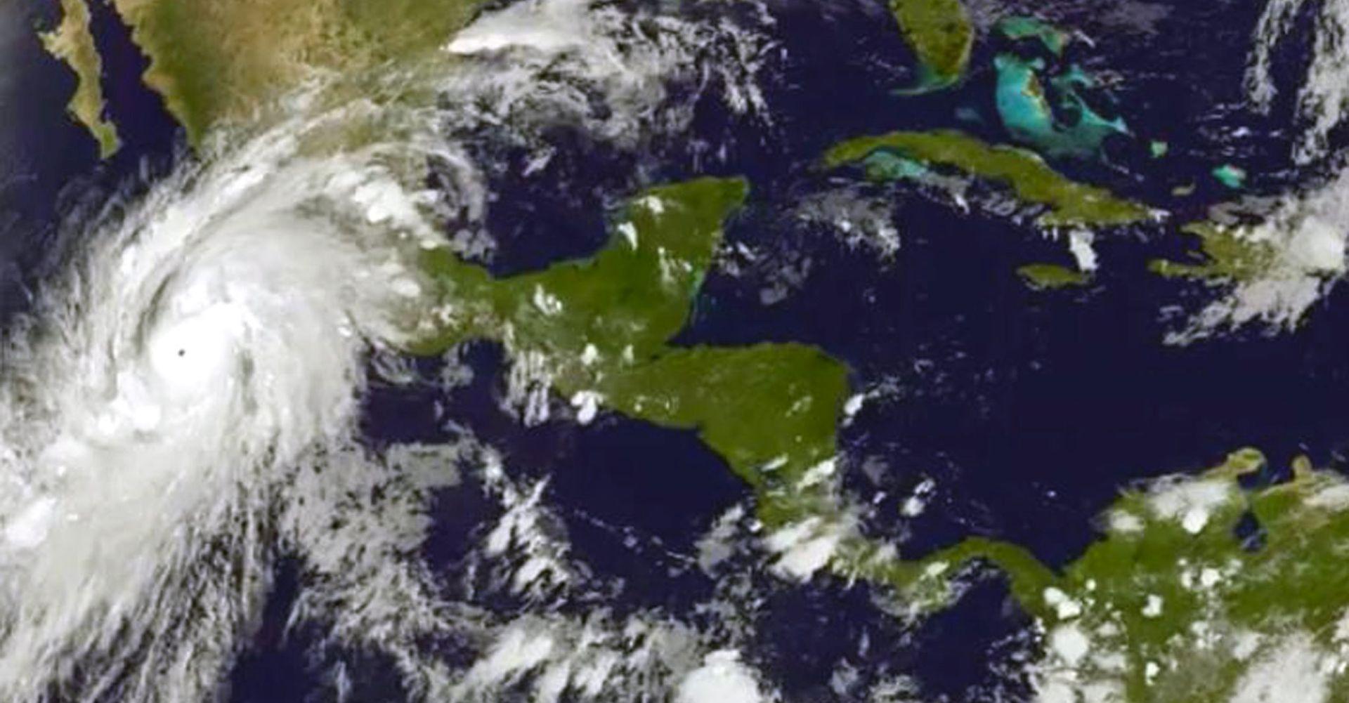 VIDEO: NAJSNAŽNIJI U POVIJESTI ZAPADNE HEMISFERE Uragan Patricia prouzročio manje štete nego se mislilo