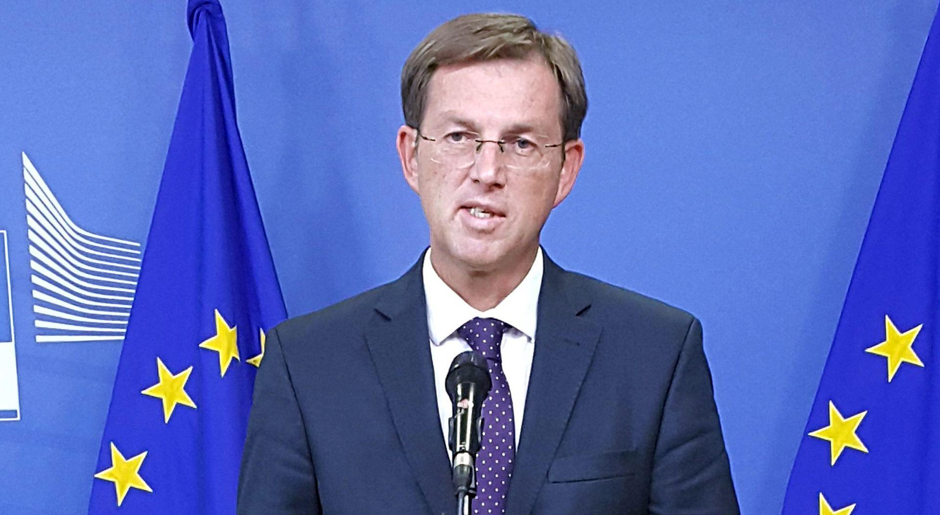 Cerar dramatično upozorio: Nastavi li se izbjeglička kriza kao do sada, EU bi se mogao raspasti