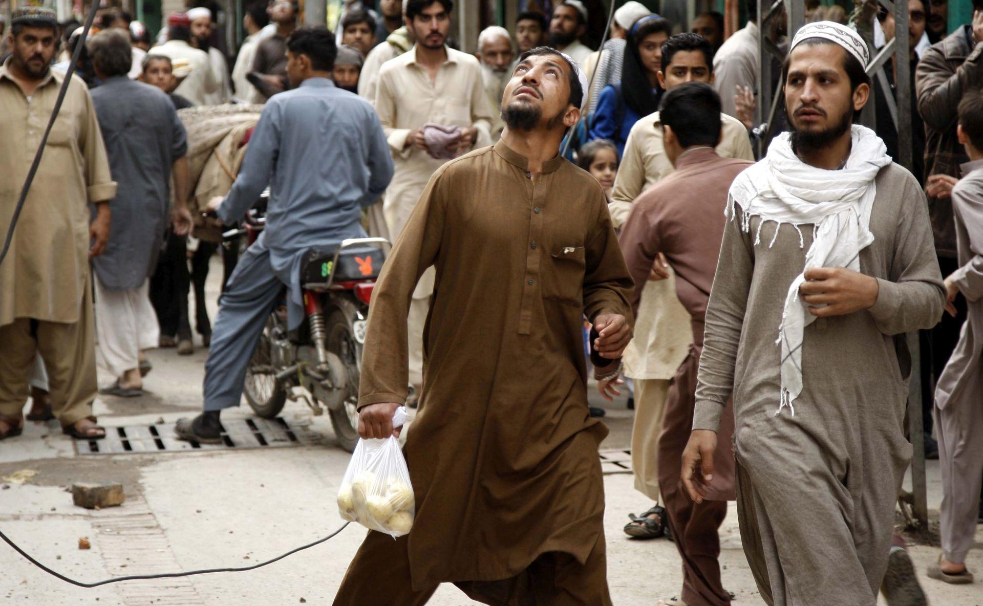 FRAKCIJA TALIBANA PREUZELA ODGOVORNOST Najmanje 20 poginulih u bombaškom napadu u Pakistanu