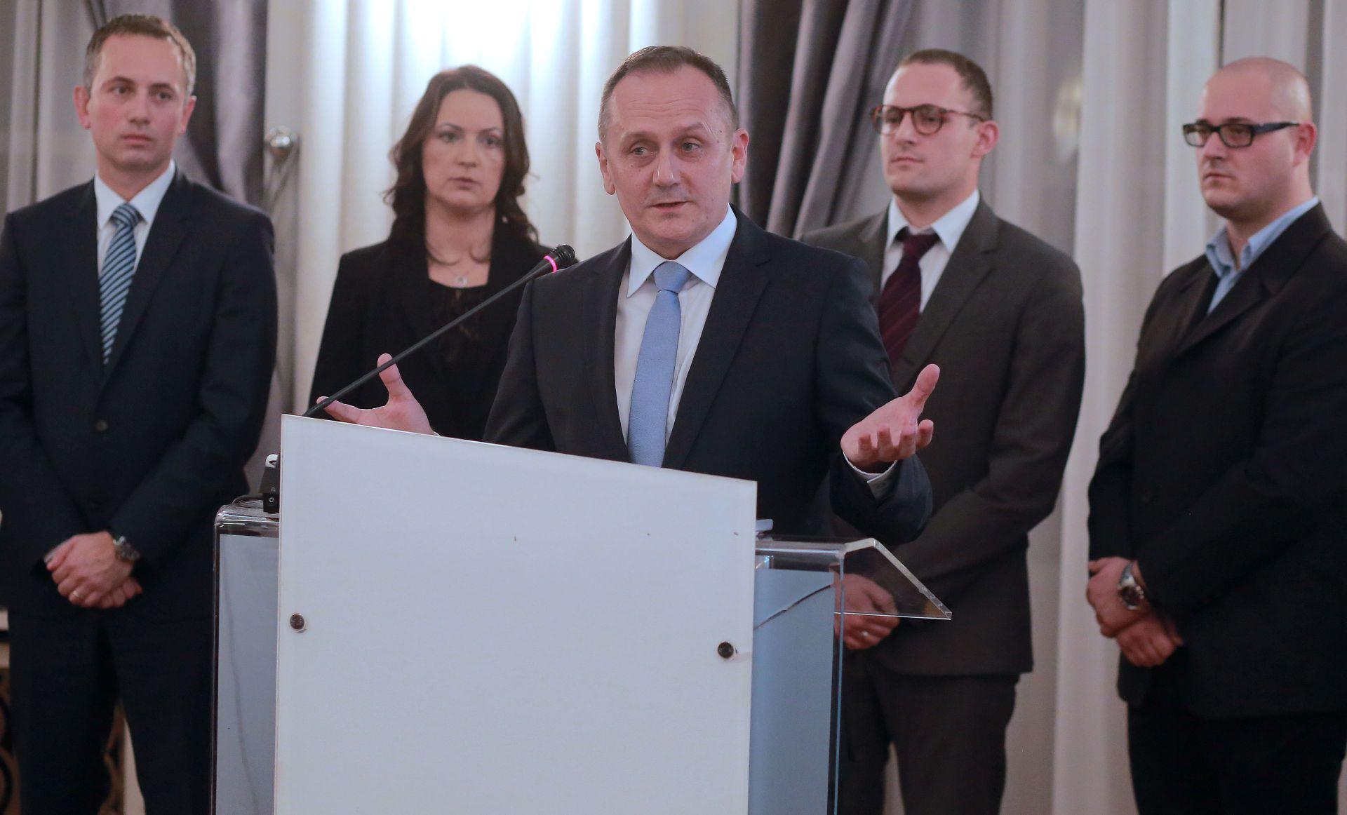IZBORI 2015. Prgomet: Našim mandatima neće trgovati ni Karamarko ni Milanović