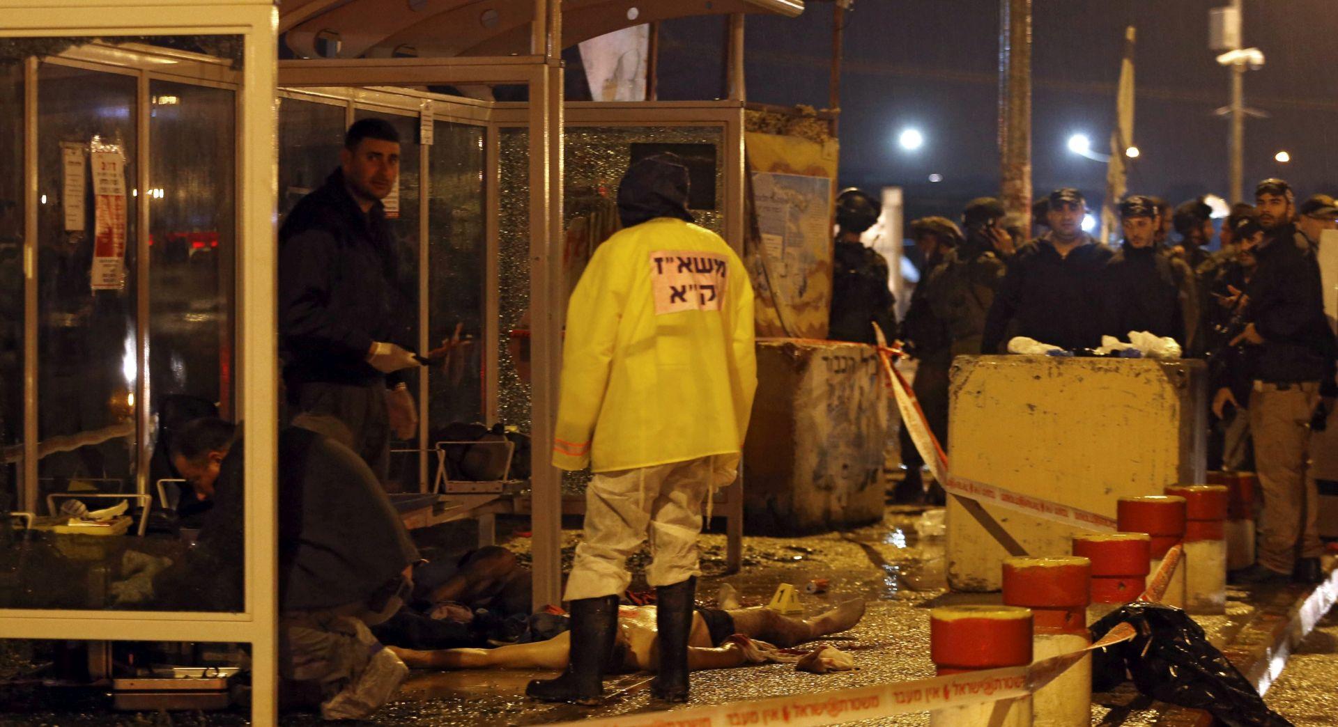 Dva Palestinca ubijena nakon što su nožem uboli izraelskog vojnika