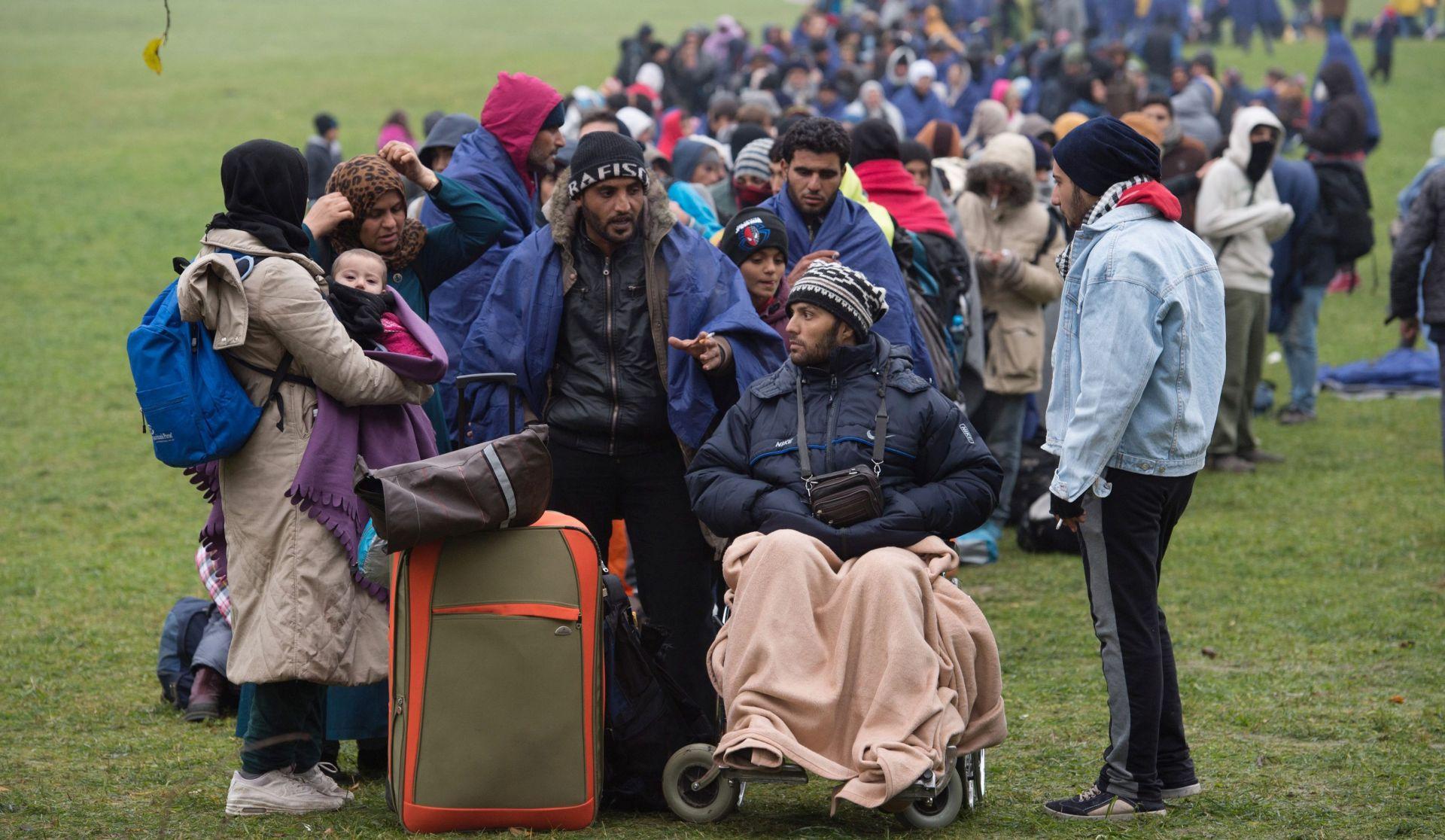 U SLOVENIJI PAD TRENDA DOLASKA IZBJEGLICA Njemačka i Austrija ograničavaju prolaz migranata na pet točaka zajedničke granice