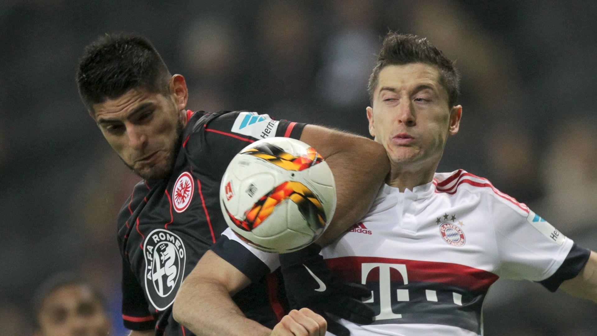 VIDEO: SAMO BOD BAYERNA Eintracht zaustavio seriju Bavaraca, Costa oduševio potezom