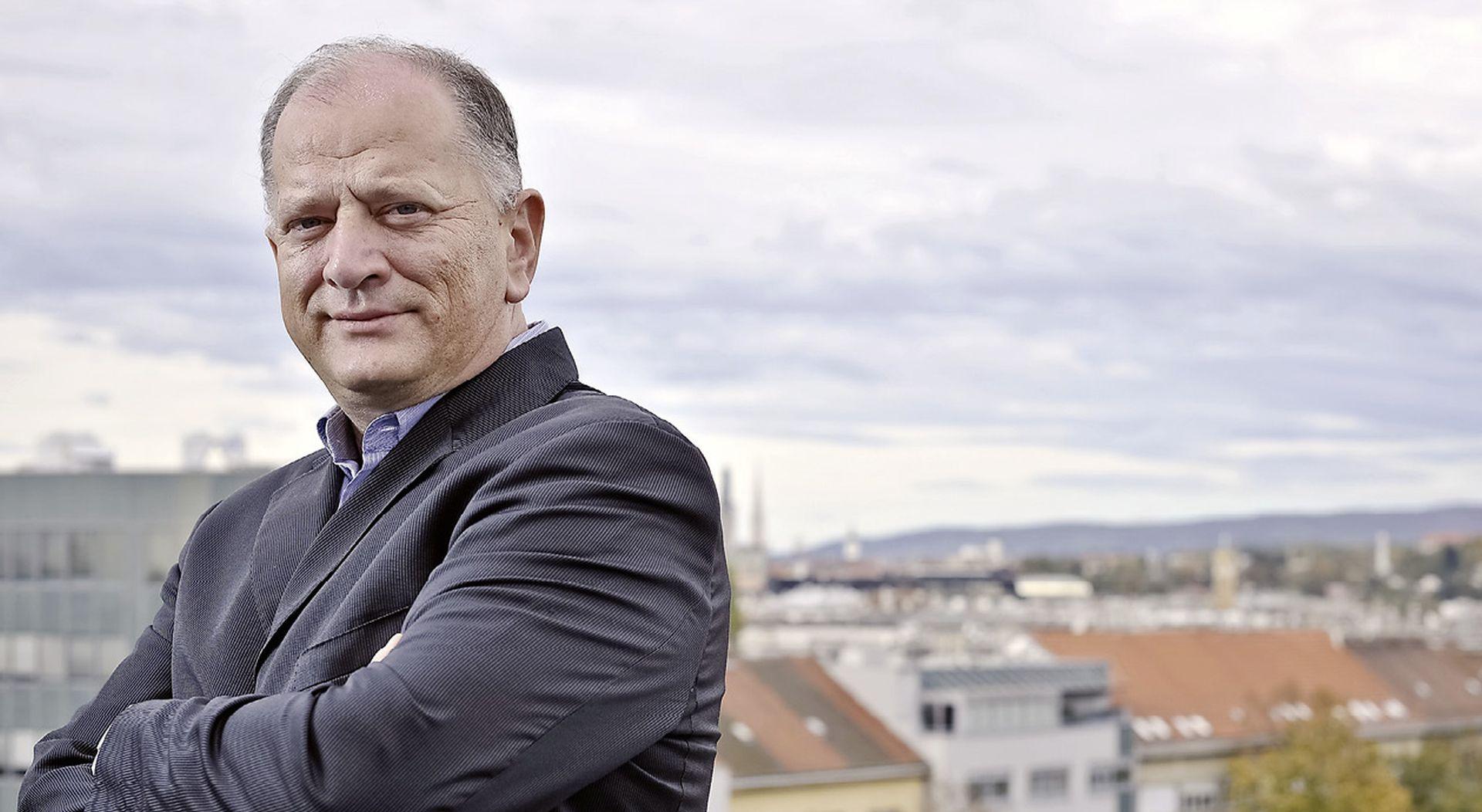 NIKICA GABRIĆ 'Hrvatska nacija na sigurnom  je putu prema shizofreniji'