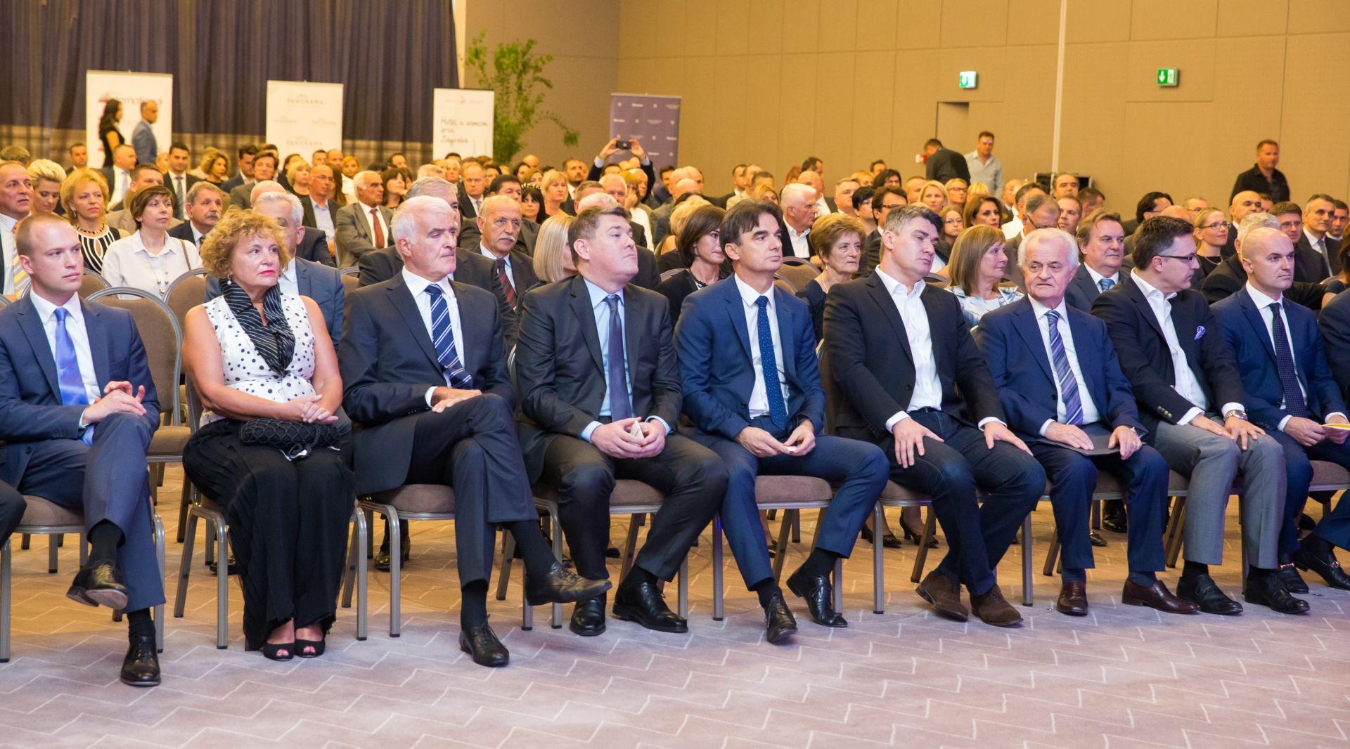FOTO: Premijer i tri ministra na svečanom otvorenju hotela Sheraton u Župi dubrovačkoj