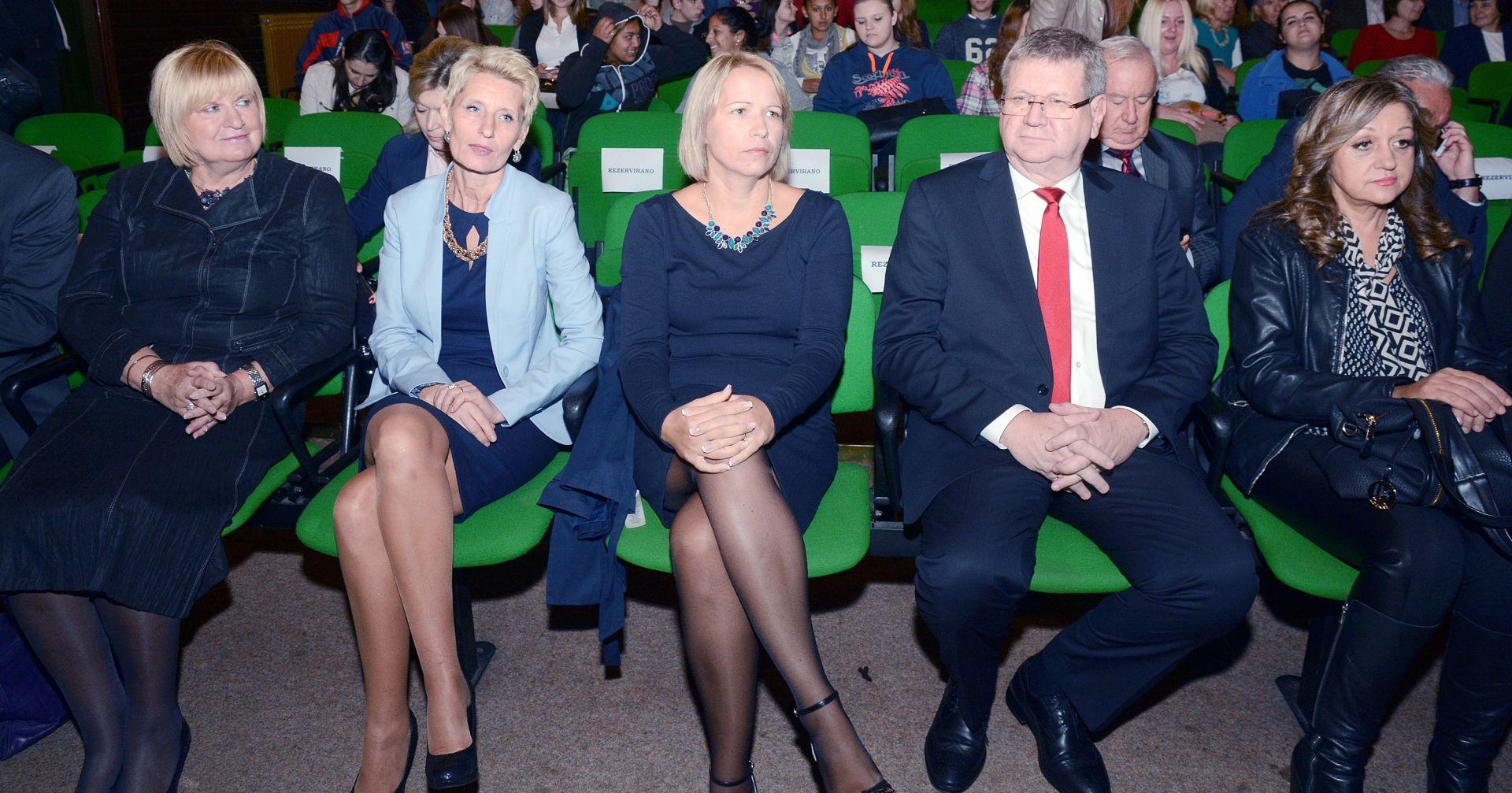 Ministar Mrsić na Sajmu poslova u Sisku: U pola godine otvoreno 14.000 radnih mjesta