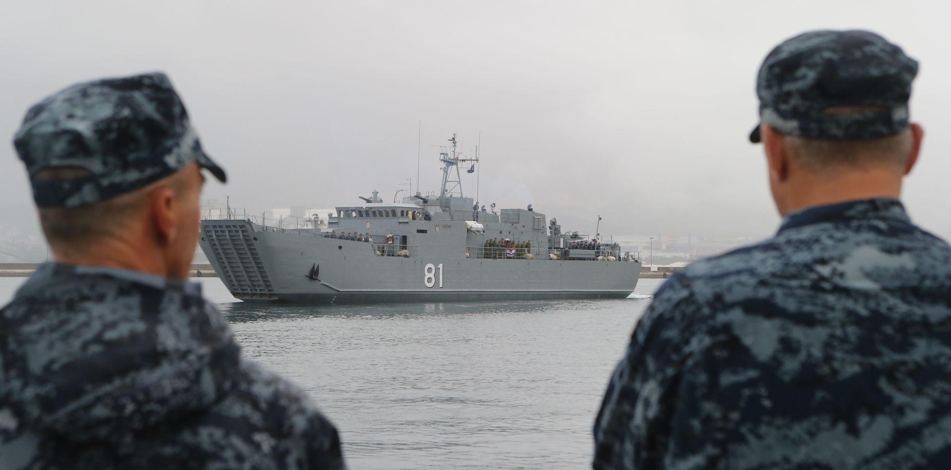 VIDEO: Vojska potopila ratni brod koji bi trebao postati 'umjetni' koraljni greben