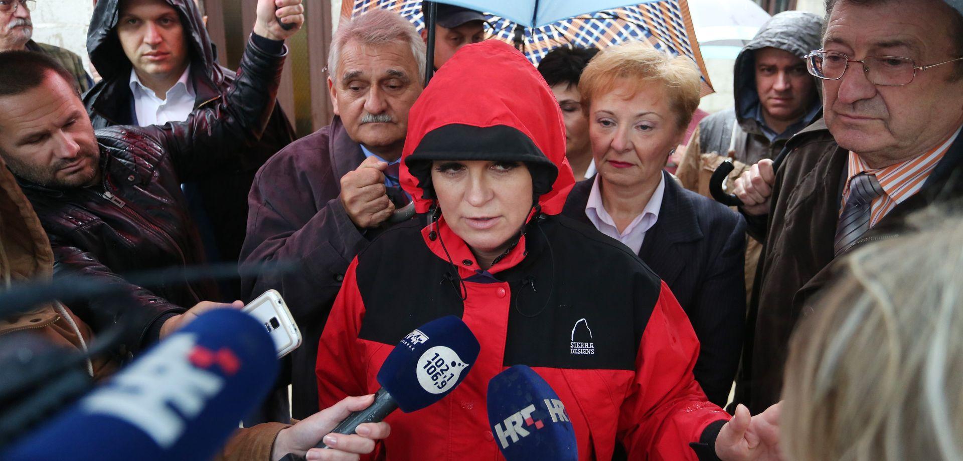 Grabar Kitarović u Karlovcu: Izgradnja nasipa jedino trajno rješenje