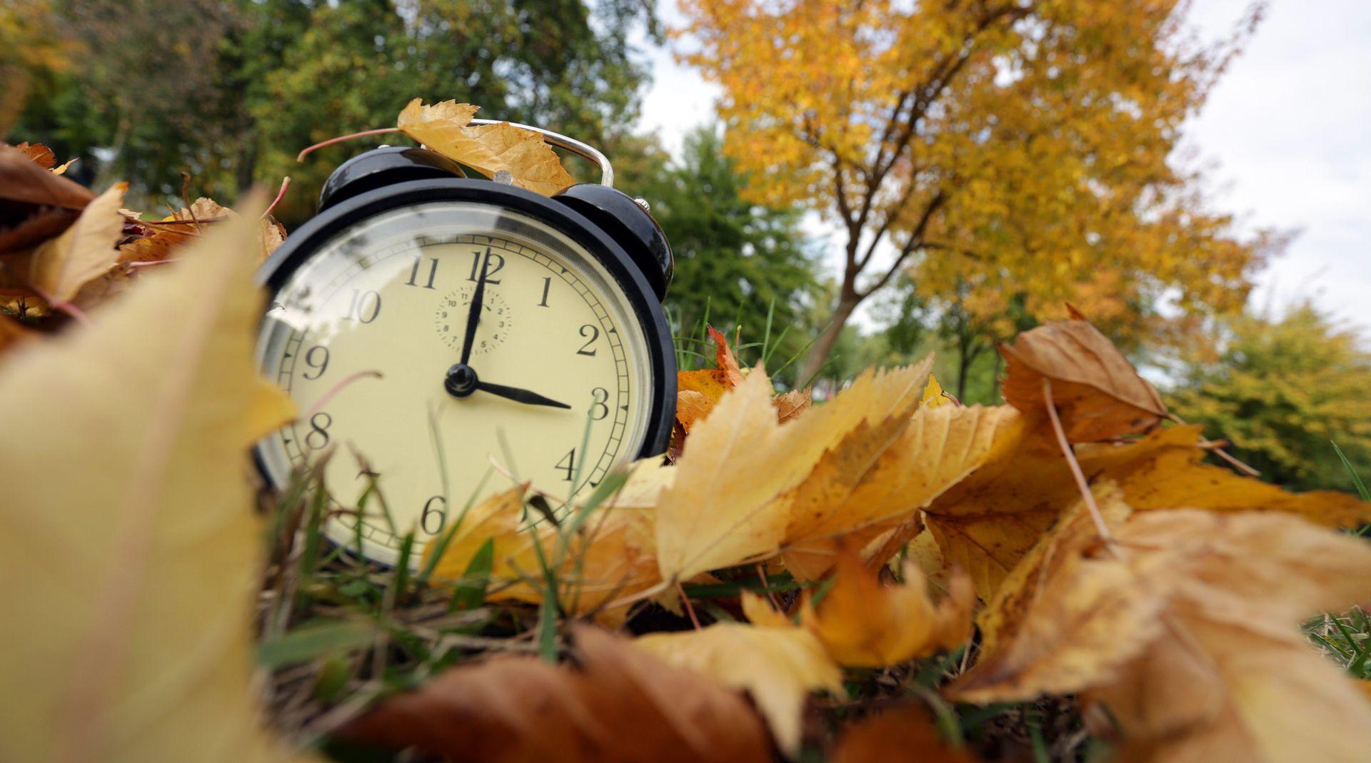 PROMETNA PRAVILA, PROMJENE U ORGANIZMU, NOVE TARIFE Prelazak na zimsko računanje vremena