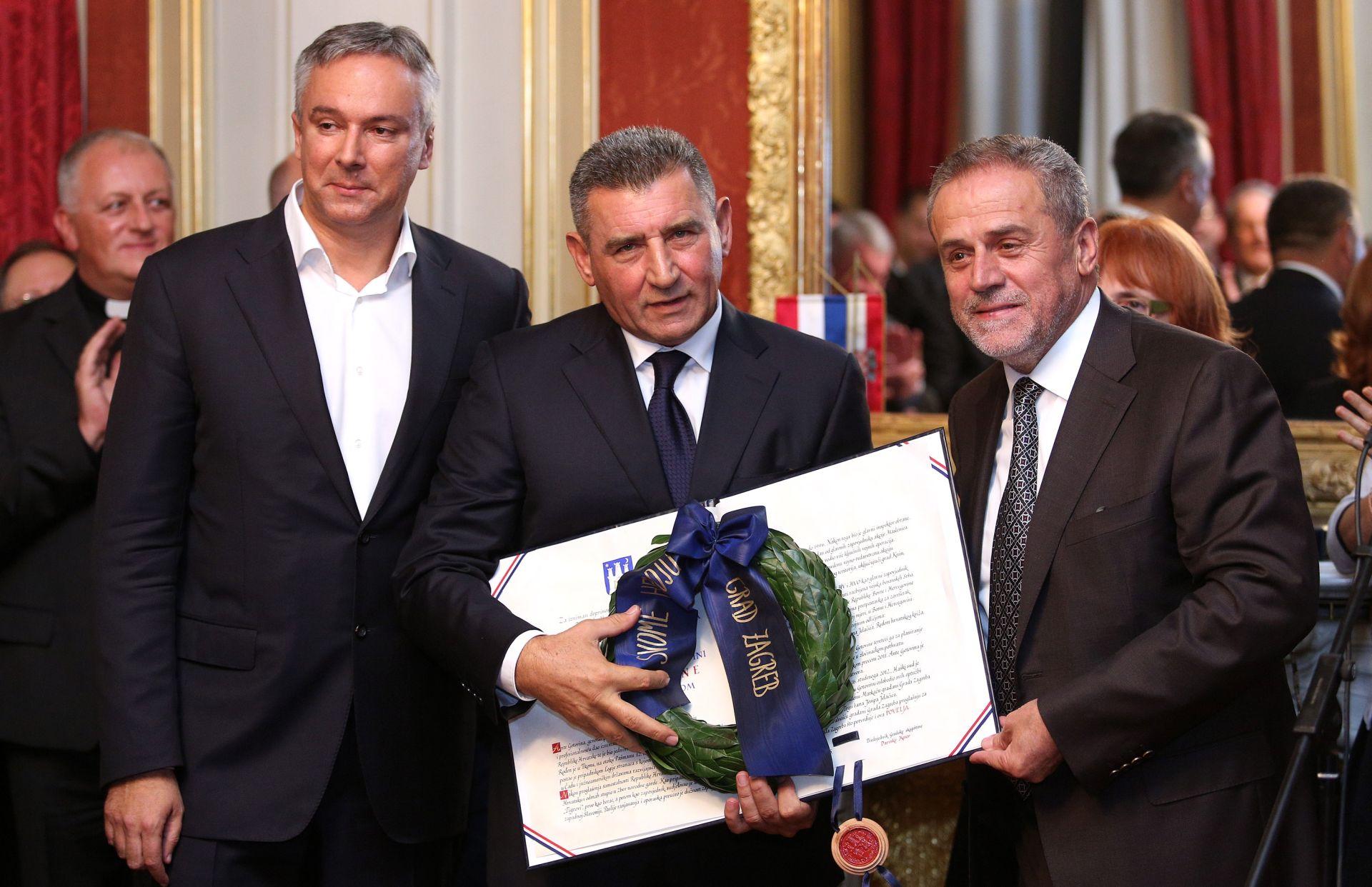 FOTO: Anti Gotovini svečano uručena Povelja počasnog građanina Zagreba