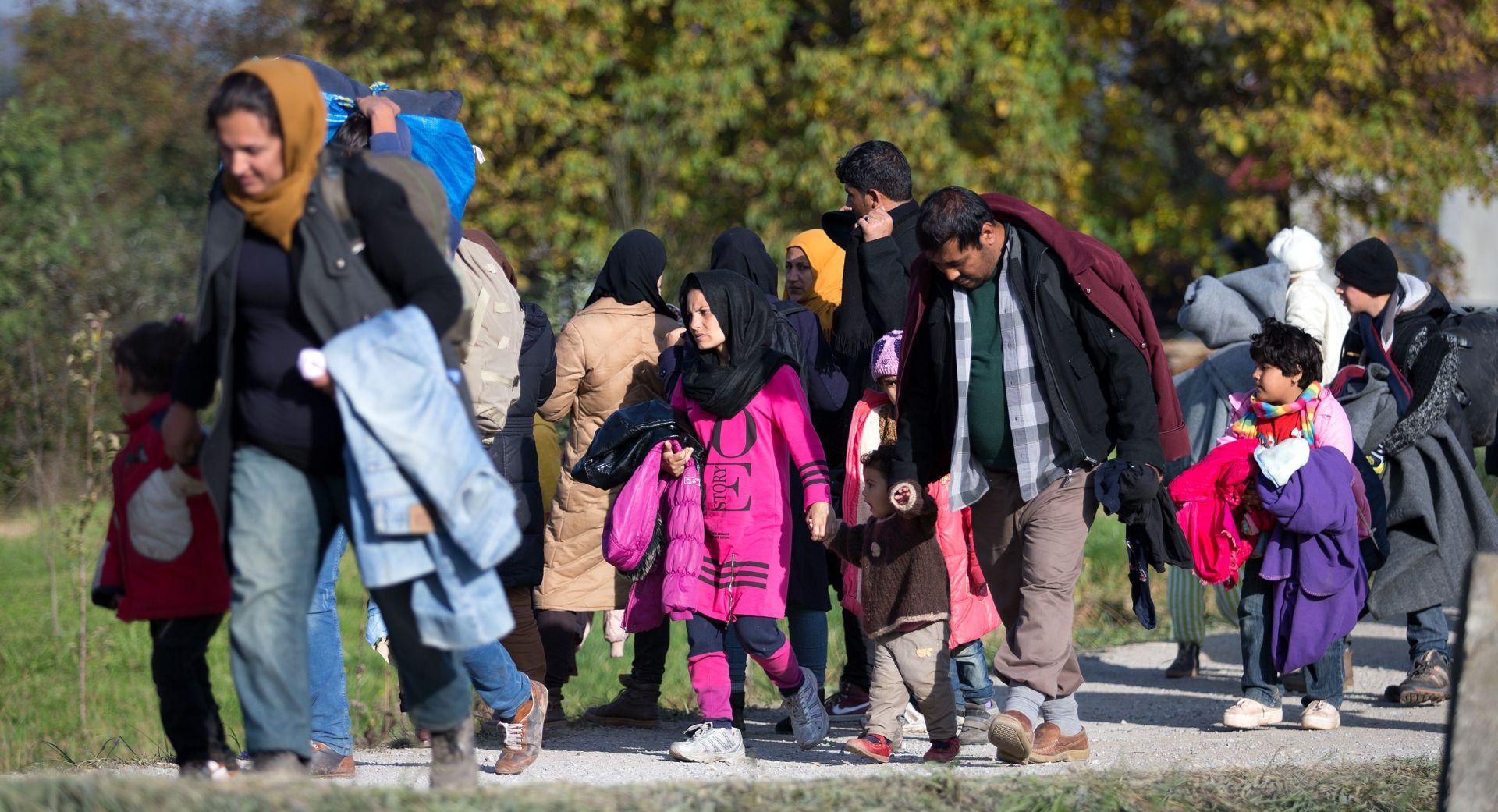 IZBJEGLICE U Hrvatsku ušlo više od 250 tisuća migranata, u nedjelju do 15 sati došlo 6.166 ljudi
