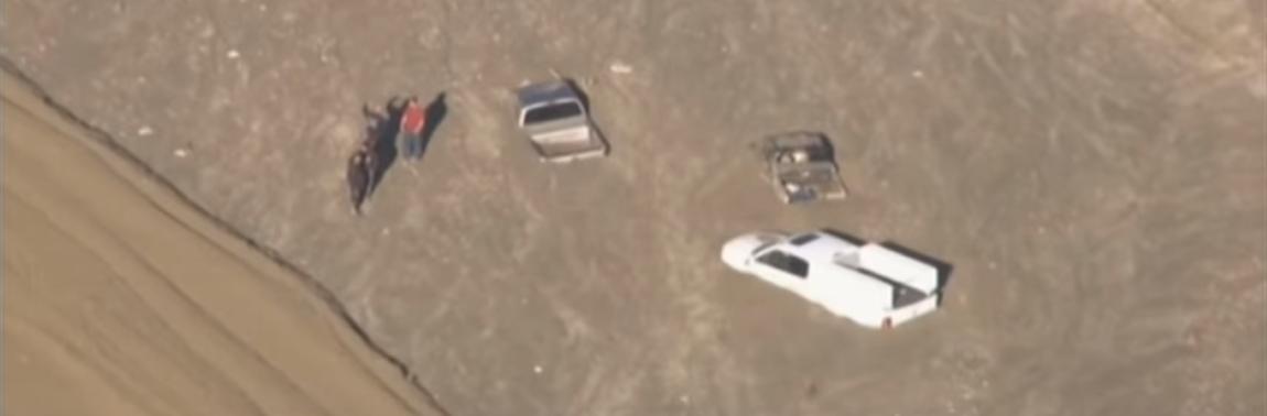 VIDEO: Tristo automobila i kamiona u Kaliforniji zapelo u blatu