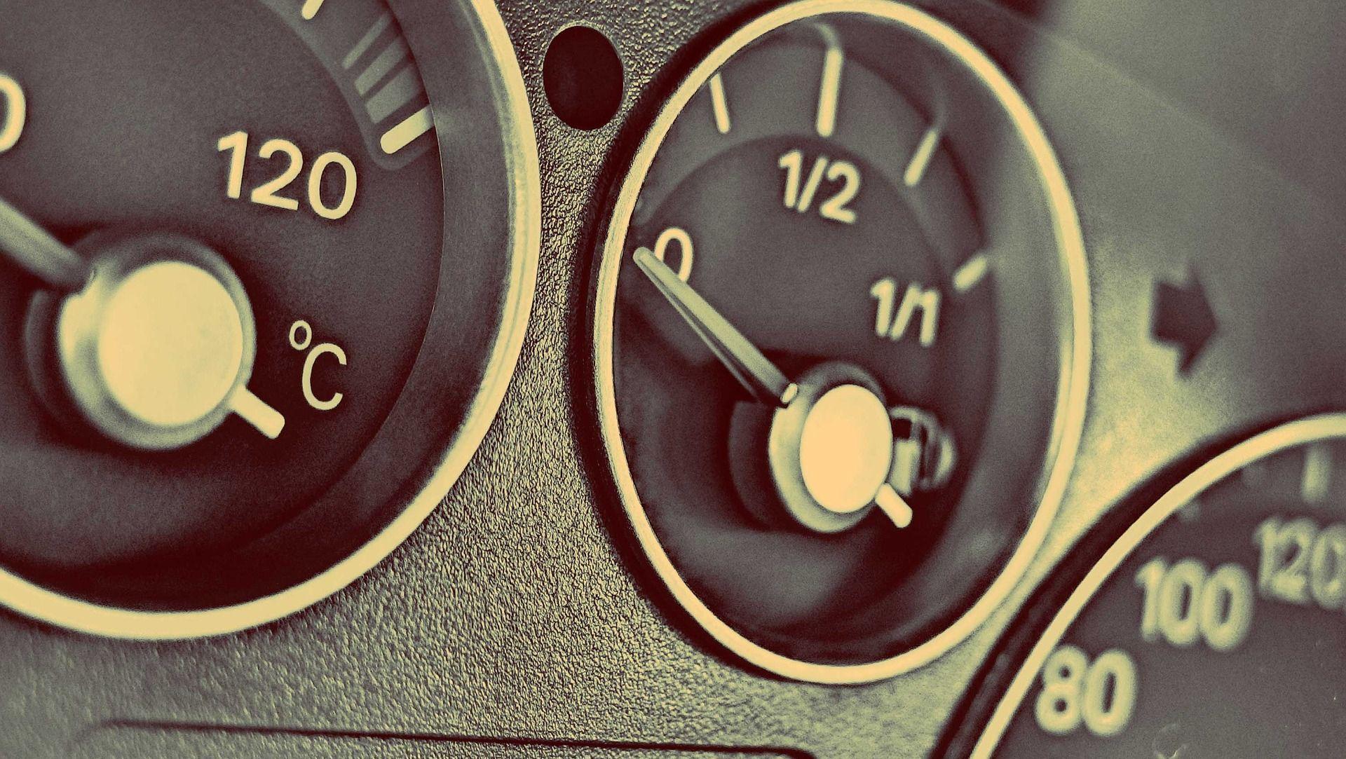 DIZEL ZA TRI, BENZIN ZA ČETIRI LIPE Ministarstvo najavilo novo pojeftinjenje goriva