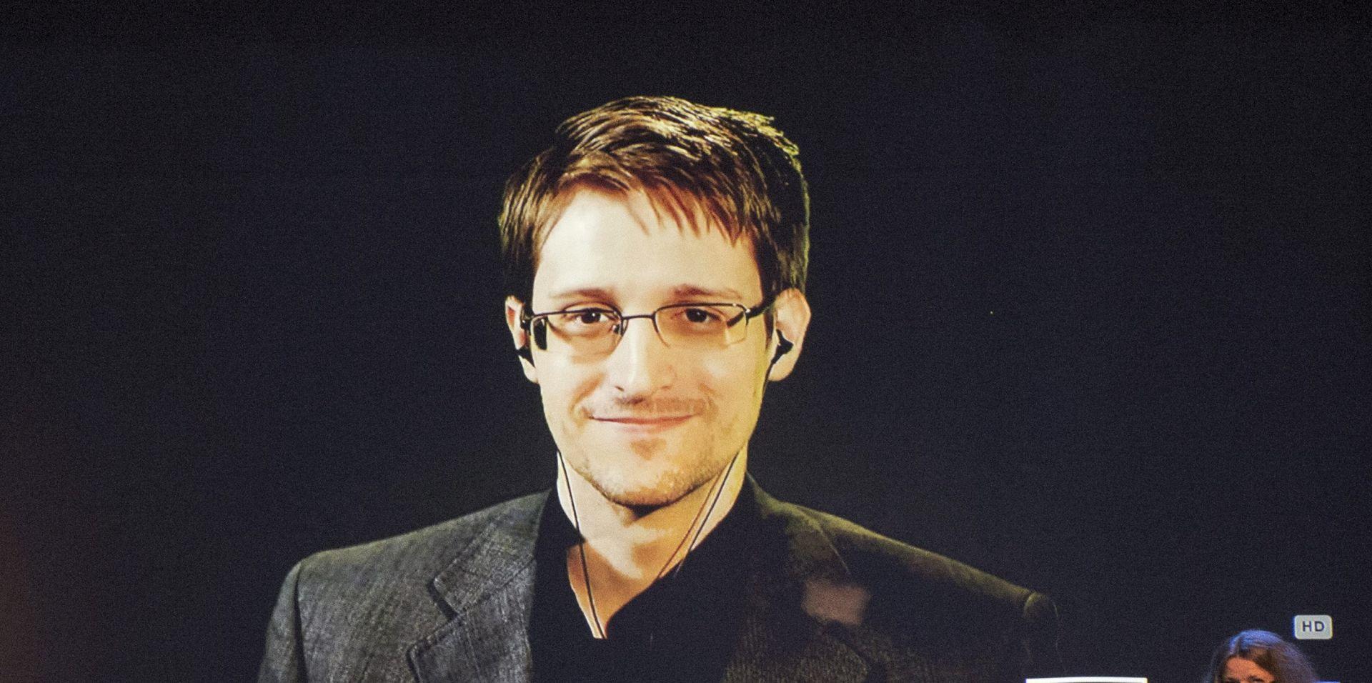 IGNORIRAJU GA: Snowden se želi dobrovoljno predati SAD-u