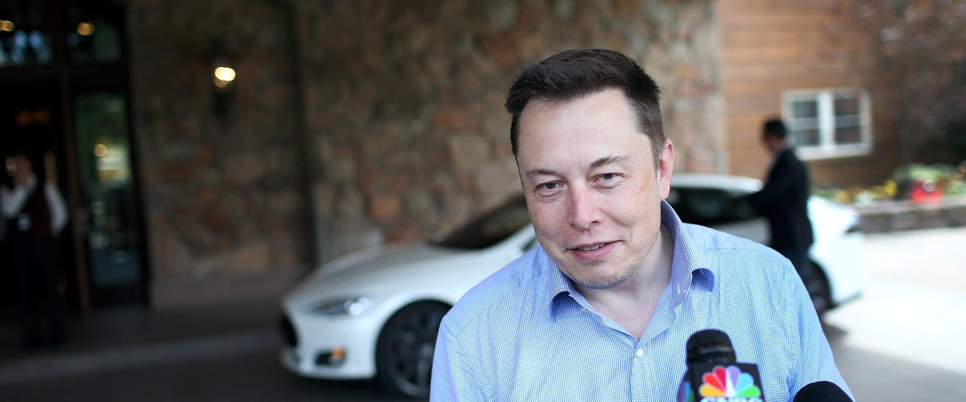 """Elon Musk: """"Ako ne uspijete u Tesli, prijeđite u Apple"""""""