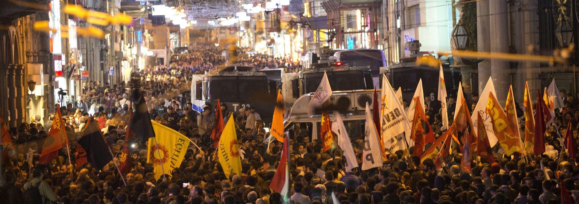 'ZNAMO TKO SU UBOJICE' Velik prosvjed u Istanbulu protiv vlade